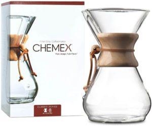 Trendige Kaffeekaraffee mit Holzhals