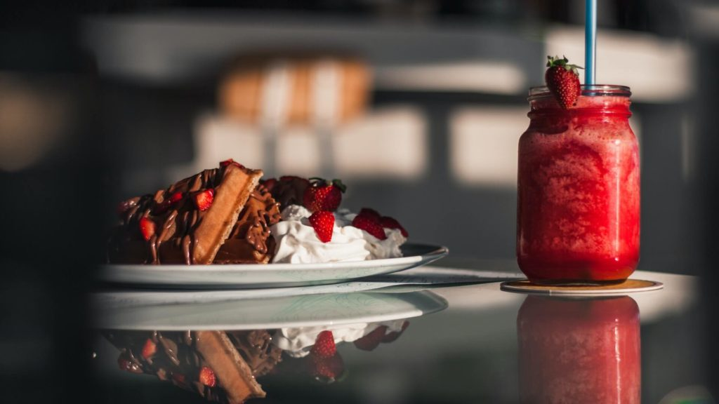 DIY Starbucks Getränk Strawberries and Cream Frappuccino by Kaffeemonks