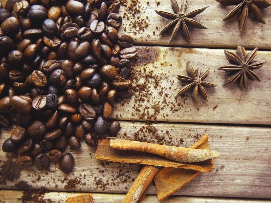 gesunder Kaffee mit Zimt