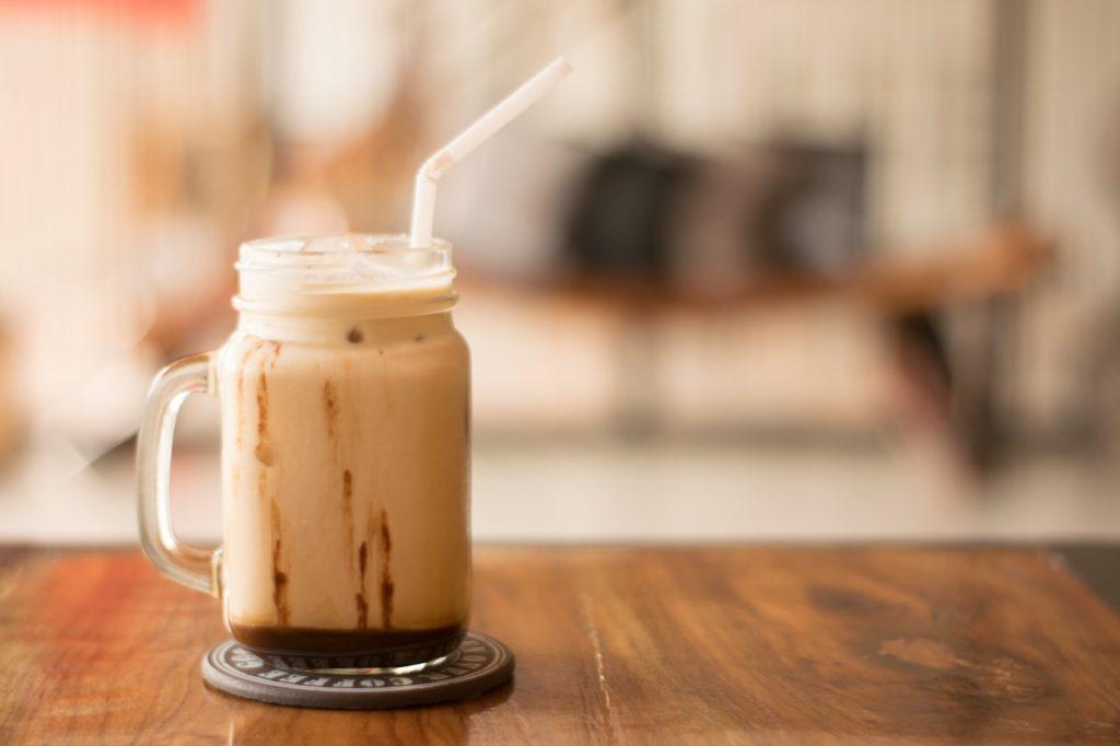 kalorienarmen Eiskaffee selber machen